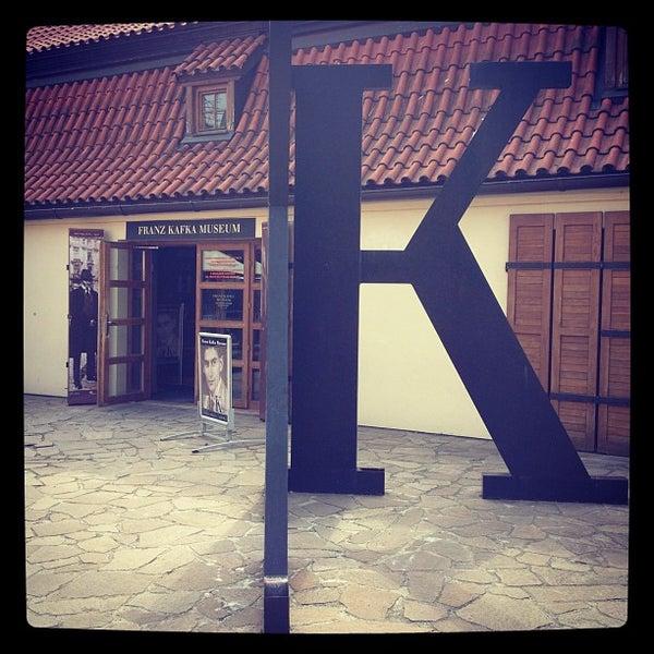 5/28/2012 tarihinde Rogi 0.ziyaretçi tarafından Franz Kafka Museum'de çekilen fotoğraf