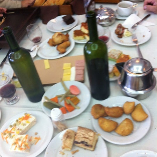 Foto tirada no(a) Coelho Café Colonial por Eduardo P. em 4/29/2012