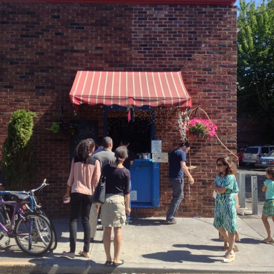 Foto tirada no(a) The Waffle Window por Keith C. em 9/2/2012