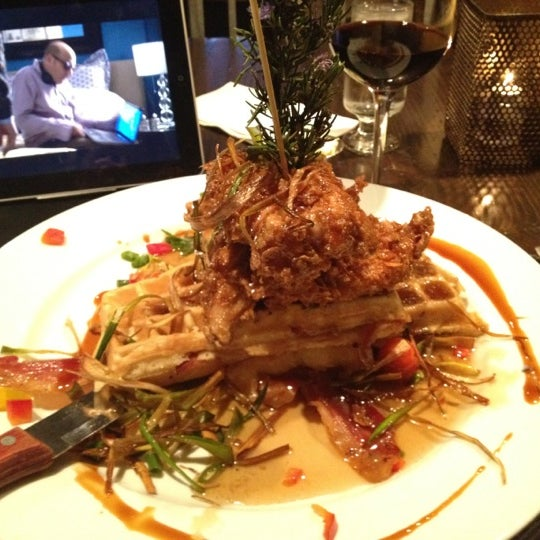 Photo taken at Hash House a Go Go by Dannny D. on 2/23/2012