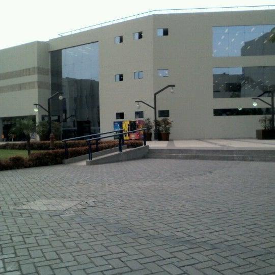 Facultad de ingenier a y arquitectura fia usmp la for Ingenieria y arquitectura