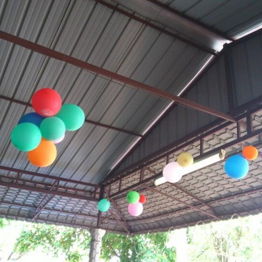 Photo taken at Warung AJA Selera Kampung by Mohd Azmi S. on 6/18/2012