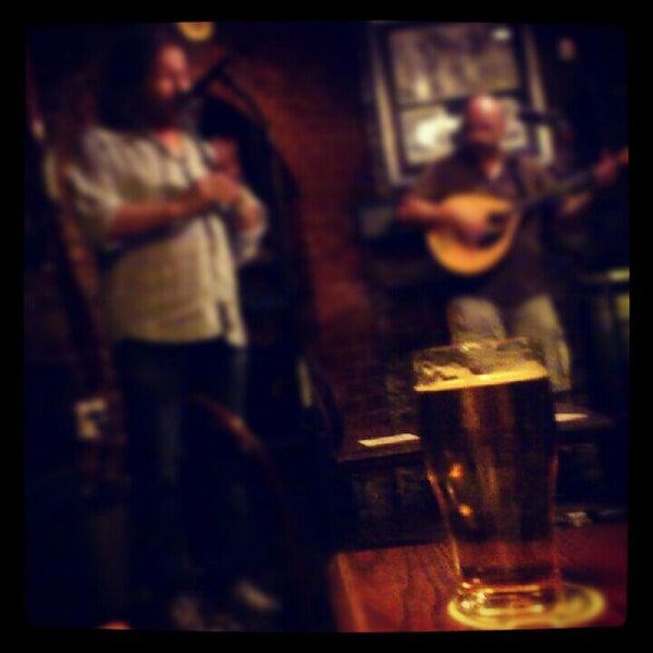 Foto tomada en Hurley's Irish Pub por Mayara B. el 7/10/2012