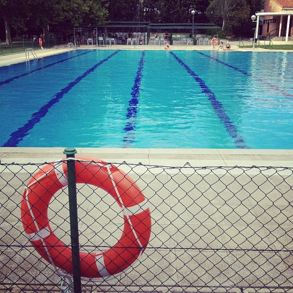 Piscinas complejo gran v a santander piscina en pinar - Piscinas en santander ...