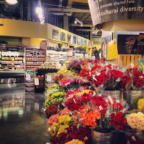 Photo taken at Whole Foods Market by Yossi on 8/6/2012
