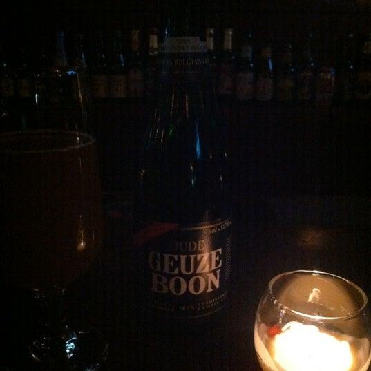 Photo taken at Amsterdam Ale House by Dj Julian (Artist) on 4/25/2012