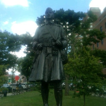 Das Foto wurde bei MacDonald Park von lee u. am 7/27/2012 aufgenommen