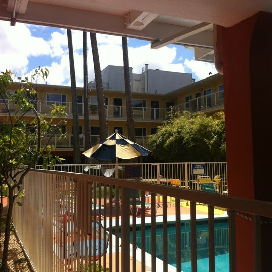 Photo taken at Hotel Del Sol by Vix V. on 6/25/2012