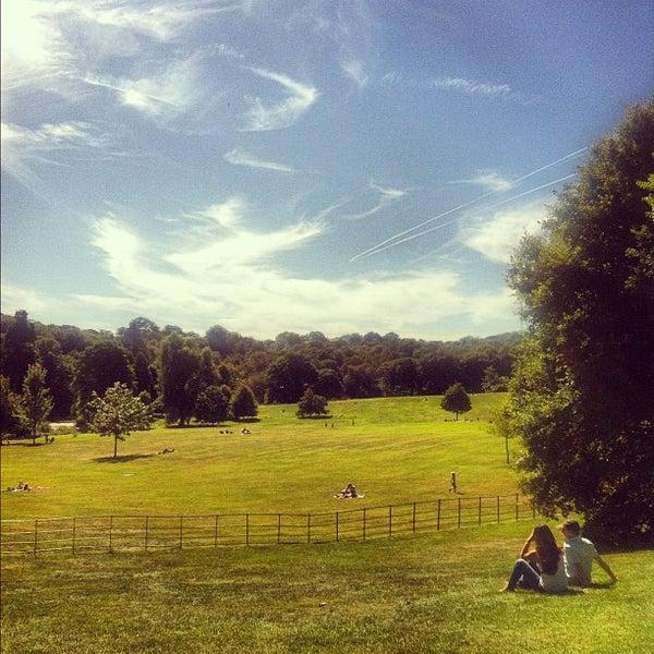 9/8/2012 tarihinde Helen K.ziyaretçi tarafından Hampstead Heath'de çekilen fotoğraf
