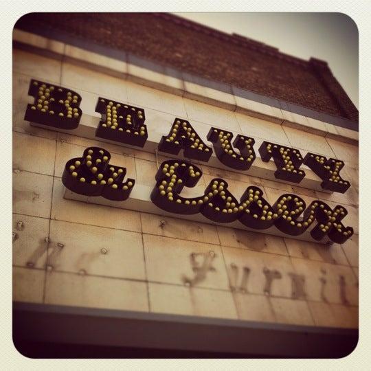 8/16/2012 tarihinde Jared M.ziyaretçi tarafından Beauty & Essex'de çekilen fotoğraf