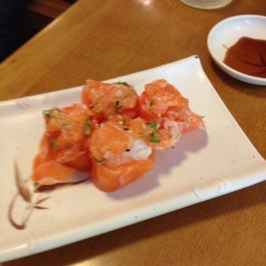 Foto tirada no(a) Sushi Koba por Fabio B. em 4/5/2012