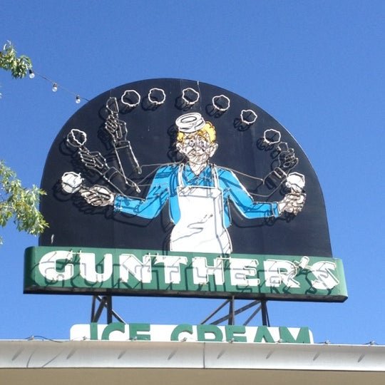 Photo taken at Gunther's Quality Ice Cream by Tim V. on 7/8/2012