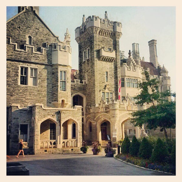 Photo taken at Casa Loma by Timmy H. on 8/1/2012