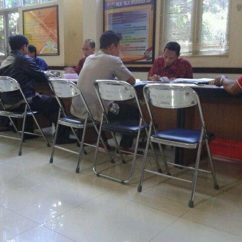 Photo taken at Kantor Pelayanan Pajak Pratama Mataram Barat by iis t. on 3/30/2012