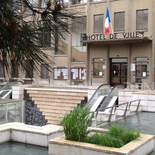 H tel de ville de boulogne billancourt boulogne for Piscine boulogne