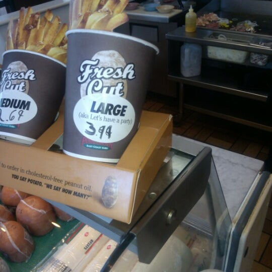 Photo taken at Penn Station East Coast Subs by Jarell E. on 8/22/2012