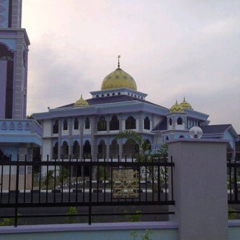 Image result for masjid parit raja