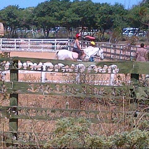 7/1/2012 tarihinde Pinar H.ziyaretçi tarafından AtlıTur At Çiftligi'de çekilen fotoğraf