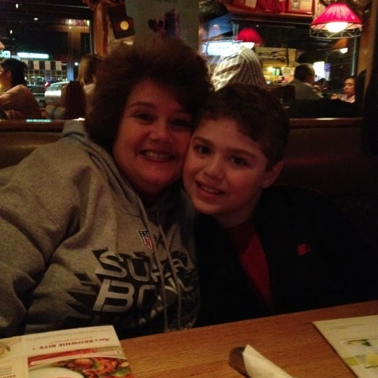 Photo taken at Applebee's Neighborhood Grill & Bar by Maria S. on 2/15/2012