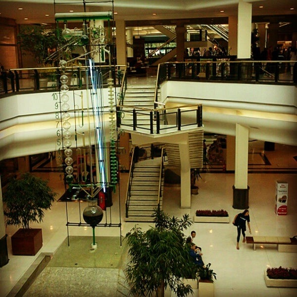 Photo taken at Shopping Iguatemi by Paulo M. on 4/13/2012