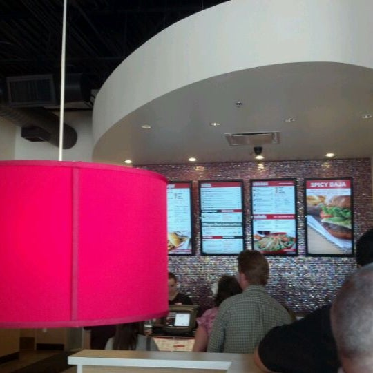 Photo taken at Smashburger by Tom D. on 4/27/2012