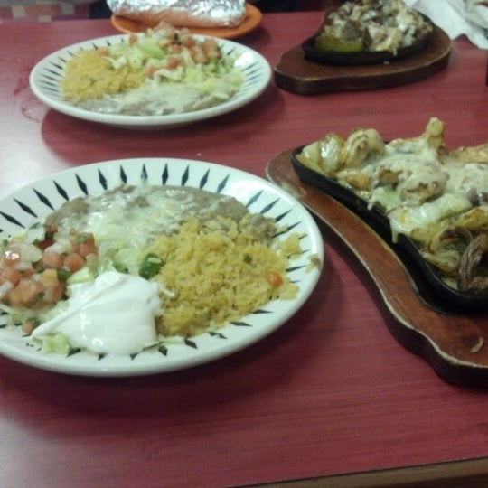 El molino mexican restaurant restaurante mexicano for Autentica mexican cuisine