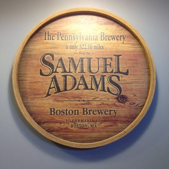 Photo taken at Samuel Adams Brewery by Yumi T. on 6/13/2012