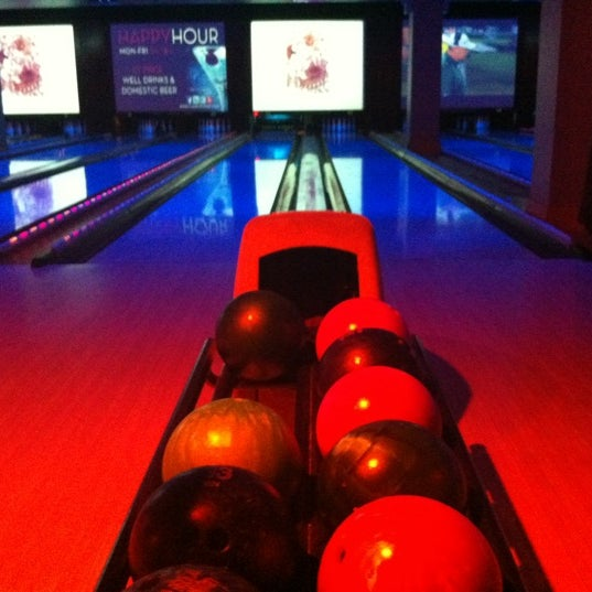 Photo taken at Lucky Strike New York by Paloma C. on 8/19/2012