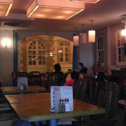 4/26/2012 tarihinde Ömer Ş.ziyaretçi tarafından Uno Restaurant'de çekilen fotoğraf
