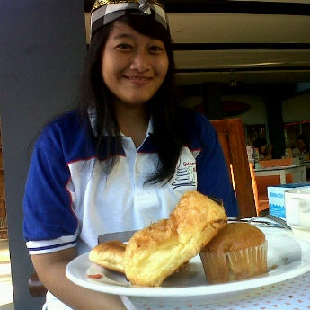 Photo taken at Harris Cafe by Fitria Z. on 3/31/2012