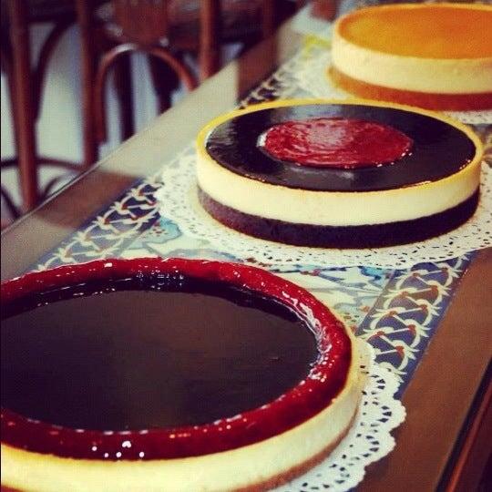 8/7/2012 tarihinde Asliziyaretçi tarafından Maria's Cheesecakes'de çekilen fotoğraf