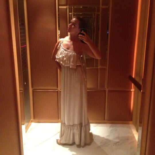Photo taken at Shangri-La Hotel by Ната ---<@ I. on 7/15/2012