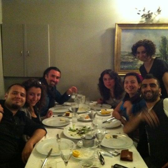 5/4/2012 tarihinde GucluGulanziyaretçi tarafından Akıntı Burnu Restaurant'de çekilen fotoğraf