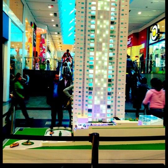 Foto tirada no(a) Shopping Neumarkt por Uwe R. em 7/7/2012