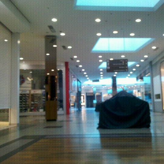 Foto tirada no(a) Shopping Neumarkt por Wuillian M. em 6/10/2012