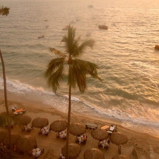 Un lugar con muy buenas vistas a la bahía.www.hotelemperadorpv.com