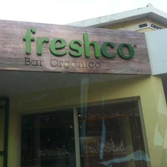 Photo taken at Freshco Bar Orgánico by Georges on 8/20/2012