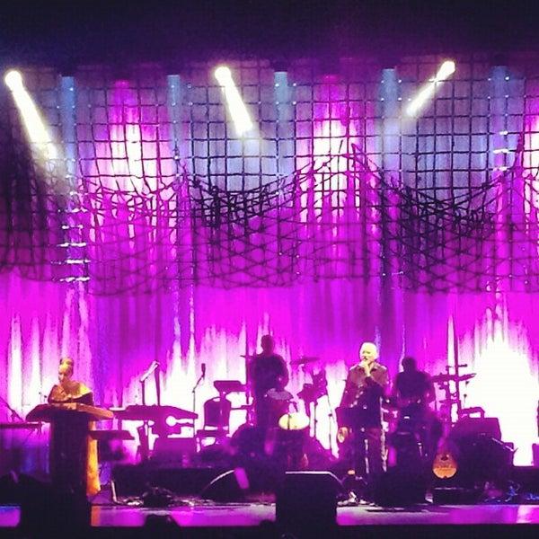 รูปภาพถ่ายที่ Beacon Theatre โดย Rick W. เมื่อ 8/30/2012