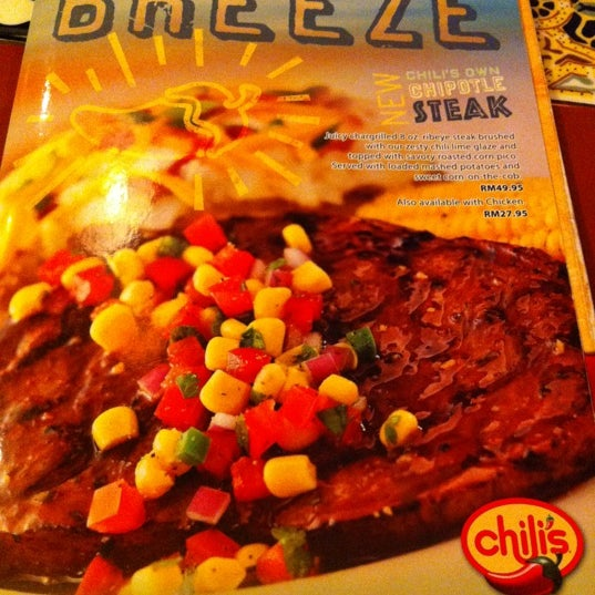 Photo taken at Chili's Grill & Bar Restaurant by Welfred Suto on 5/26/2012