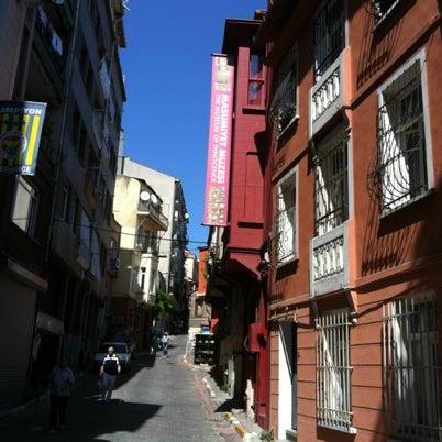 8/21/2012 tarihinde Arzuziyaretçi tarafından Masumiyet Müzesi'de çekilen fotoğraf