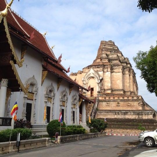 Photo taken at Wat Chedi Luang Varavihara by Wanaree C. on 4/8/2012