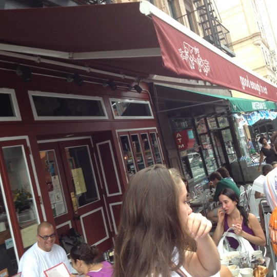 Photo taken at Good Enough to Eat by Gorka on 8/5/2012