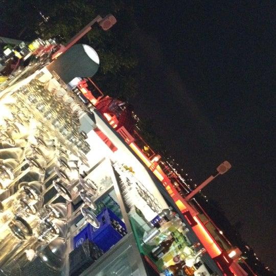 Foto diambil di Beluga Bar Karma Sky Lounge oleh Kadir G. pada 6/11/2012