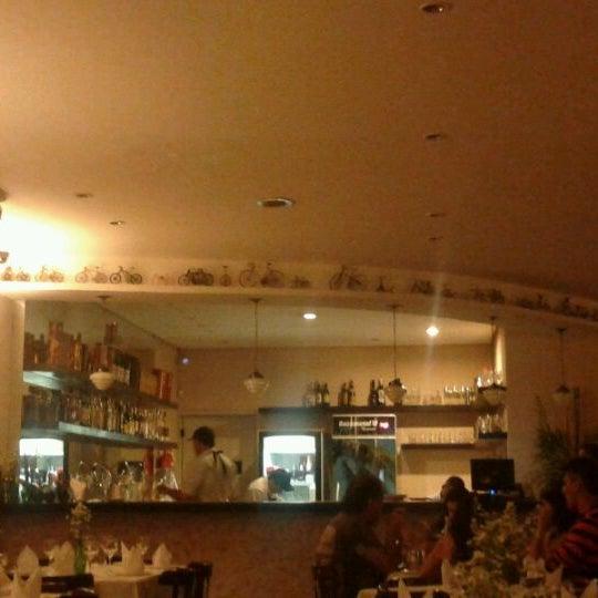 Foto tirada no(a) Casa Nostra por Rafael M. em 8/25/2012