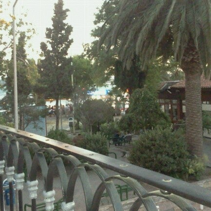 7/18/2012 tarihinde Jale Ö.ziyaretçi tarafından Uno Restaurant'de çekilen fotoğraf