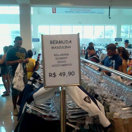 Otímo lugar para comprar roupas, masculinas e femininas, roupas boas, bonitas e baratas (BBB), das marcas Morena Rosa, Opera Rock, CKJ...