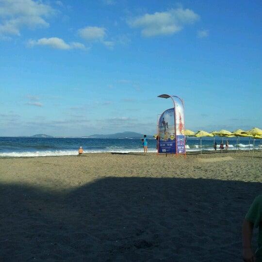 Foto scattata a Централен Плаж Бургас (Burgas Central Beach) da Ivo Z. il 7/20/2012