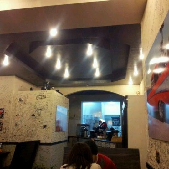 Photo taken at Ronny's Pizza Saburtalo | რონის პიცა საბურთალო by Monta V. on 2/14/2012