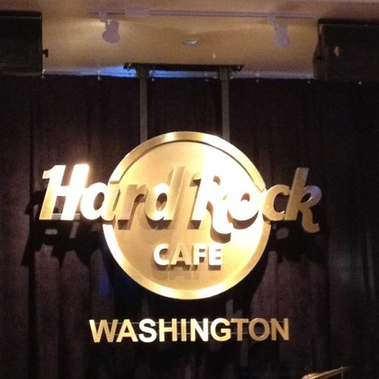 Photo taken at Hard Rock Cafe Washington DC by Claudio Eduardo P. on 2/24/2012