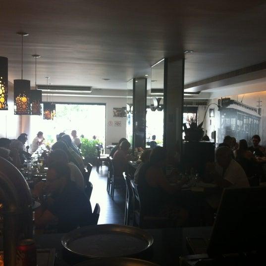 Foto tirada no(a) Ao Chopp do Gonzaga por Thiago R. em 2/20/2012